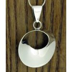 Ondulada Polished Circle Silver Pendant