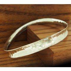 Ondulado Hammered Silver Bangle