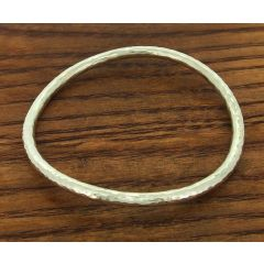 hammered curve silver bangle