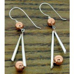 Asimétrico Bolas Silver Earrings