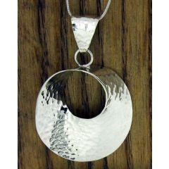 Ondulada Hammered Circle Silver Pendant