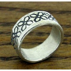 Etched Flowers Silver Ring